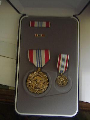 US Orden Defense Meritorious Service Medal Etui Sonderset mit Miniatur NEU