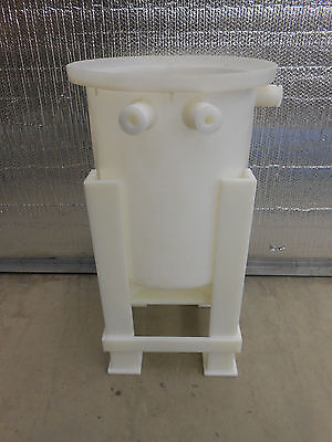 15 Gallon Open Top Cone Bottom Tank On Stand. 19 X 15 Tank