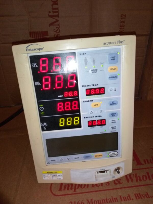 Datascope Medical Accutorr Plus Vital Signs Monitor 0998-00-0444-61 patient