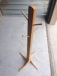 Hat / coat stand