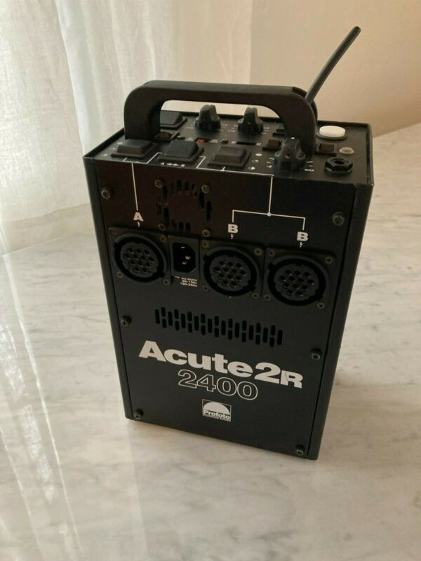 Profoto Acute2r 2400 ws- Pack is one owner and lightly used