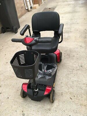 Pride GoGo Elite Traveller Mobility Scooter 4mph collapsible + 2 new batteries