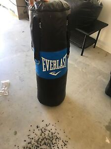 Near new boxing bag Mount Cotton Redland Area Preview
