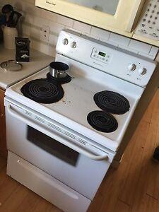 Oven - fridge - mounted microwave - dishwasher