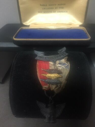 RARE Vintage Boy Scouts of America Eagle Scout Badge Award & Original Case