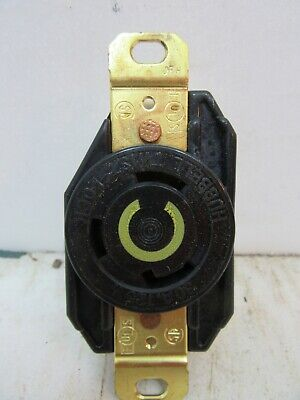 30A HUBBELL125V LOCKING RECEPTACLE CWL530R *NEW*