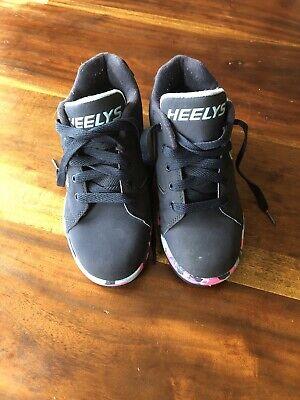 Heelys Hustle Spongebob Edition Wheeled Shoes Light Yellow//Deep Aqua// Seaweed