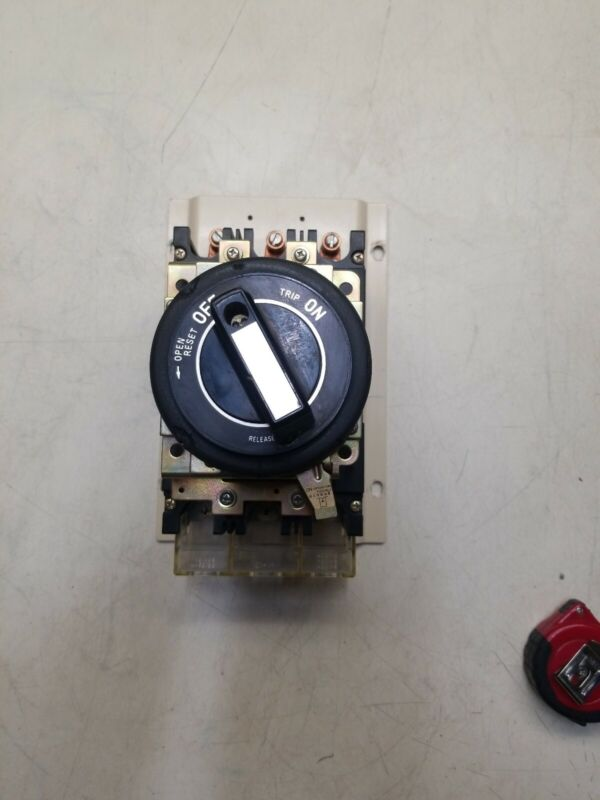 Fuji Electric SA103A 75A 3Pole Circuit Breaker