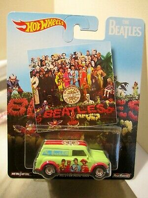 Hot Wheels Pop Culture The Beatles  '67 Austin Mini Van Real Riders
