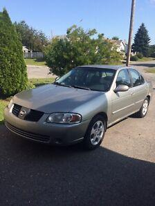 Nissan Sentra 2004 125 000k 1800$.
