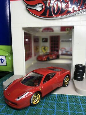 Hot Wheels 2010 New Models Custom Ferrari 458 Italia Red With Real Riders