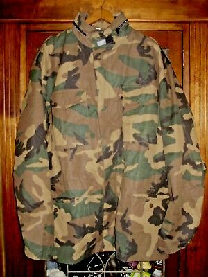 VINTAGE CANVAS WOODLAND CAMO JACKET size 56 with hood, used for sale  Shipping to India