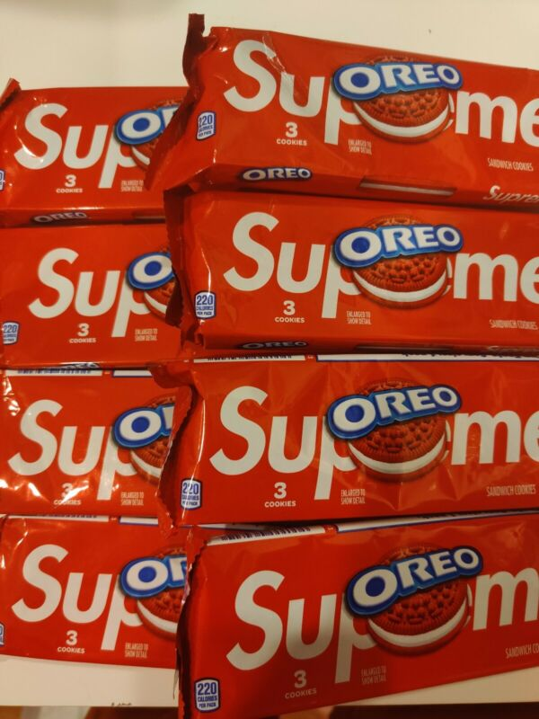 SUPREME OREO 8 PACKS OF OREOS (24 COOKIES) WITH SUPREME STICKERS