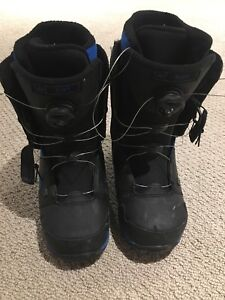 Riot snowboard boots size 8