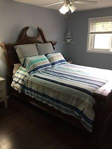 Looking to sell my Queen size bedroom furniture!