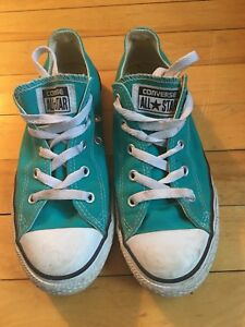 Kids Converse All Star sneakers size 3