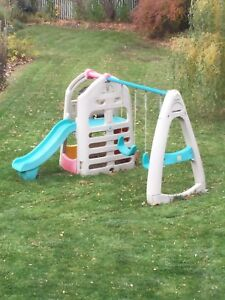 Step 2 Outdoor playhouse, slide and swing set