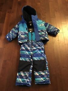 3T warm children's snowsuit