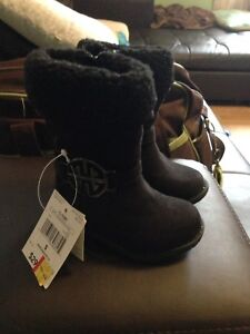 Baby girl boots size 5 brand new w/tags
