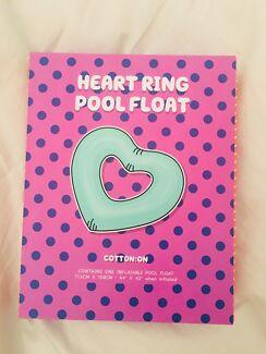 Heart ring pool float