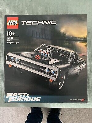 Lego Technic 42111 Dom's Dodge Charger Fast & Furious.