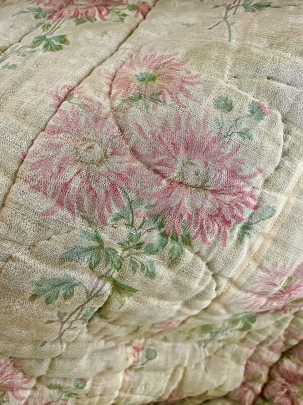 Antique French QUILT BOUTIS piqué PROVENCE FADED PINK flowers TORN c1850