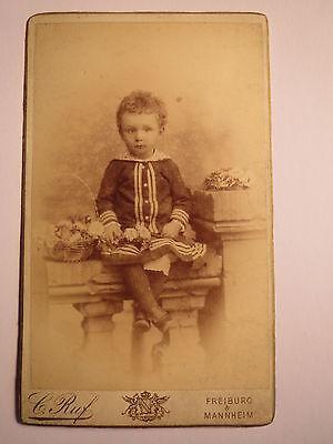 Freiburg & Mannheim - 1885 - kleines Kind in Kulisse / CDV