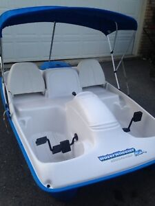 Pedal boat (Electric)