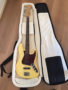 Fender deluxe jazz bass Bairnsdale East Gippsland Preview