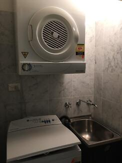 4people room shared, $150/w bills included near Broadway Shopping