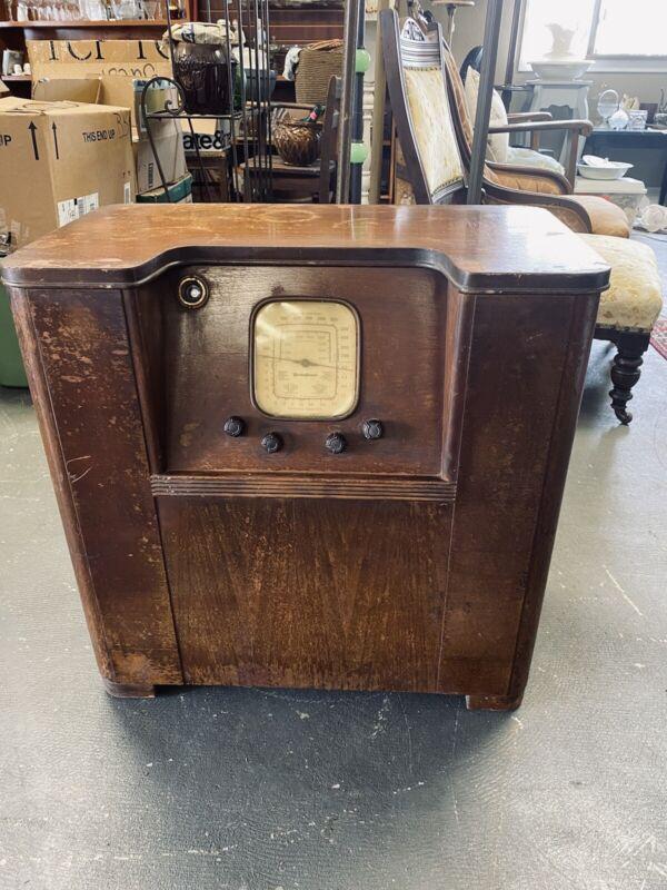"""Vintage Westinghouse Radio - Floor Model 26"""" Tall"""