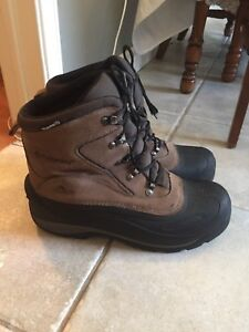 Colombia men's winter boot size 12 like new condition