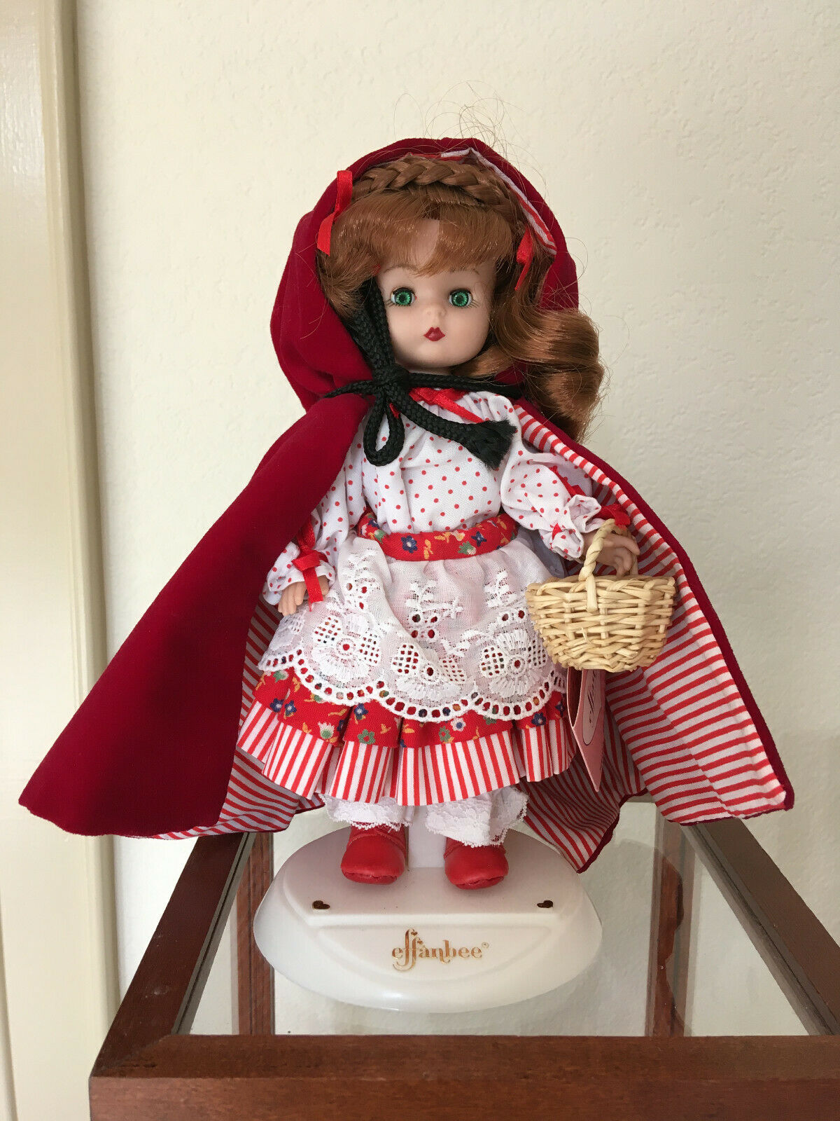 Effanbee Story Book Series Red Ridinghood MV103 - $38.00