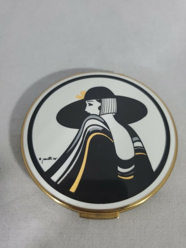 VINTAGE ART DECO STRATTON  COMPACT FEATURING PRETTY LADY IN HAT MIRROR CLASSIC