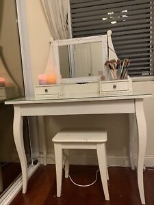 Makeup table! NEED GONE!