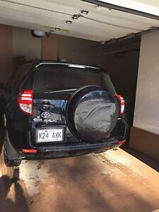 Toyota RAV4 (55000 KM only) - AWD/Negotiable