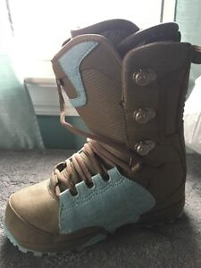Brand new snowboard boots