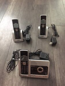Vtech 3 handset cordless phone system with answering machine