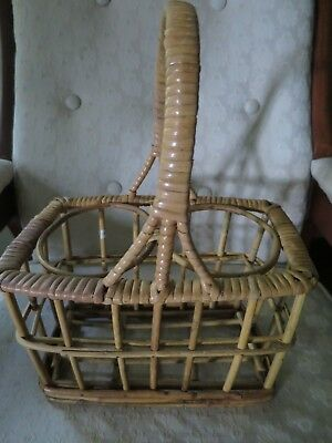 Vintage Wicker Rattan Wine Bottle Basket Tote Two-Bottle Carrier Holder