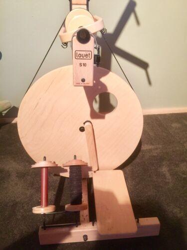 Lovet S10 Spinning Wheel with Skein Holder!!