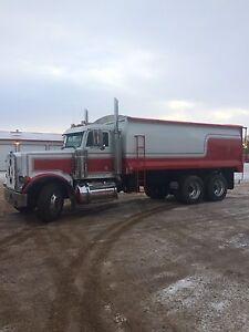 peterbilt grain truck