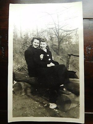 Vintage 50S Cabinet Photo   Young Girls   Friends Sitting On Log In Forest