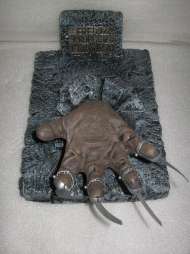 3D Nightmare Elm Street Freddy Krueger Claw Hand Tombstone Halloween Decoration