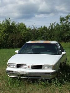 1995 88 Oldsmobile Royal for PARTS
