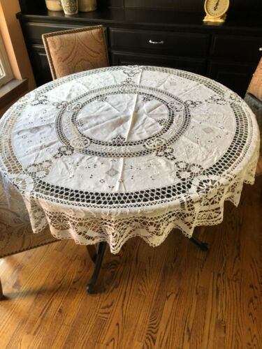 "White Linen & Lace Antique 66"" Round Table Cloth"