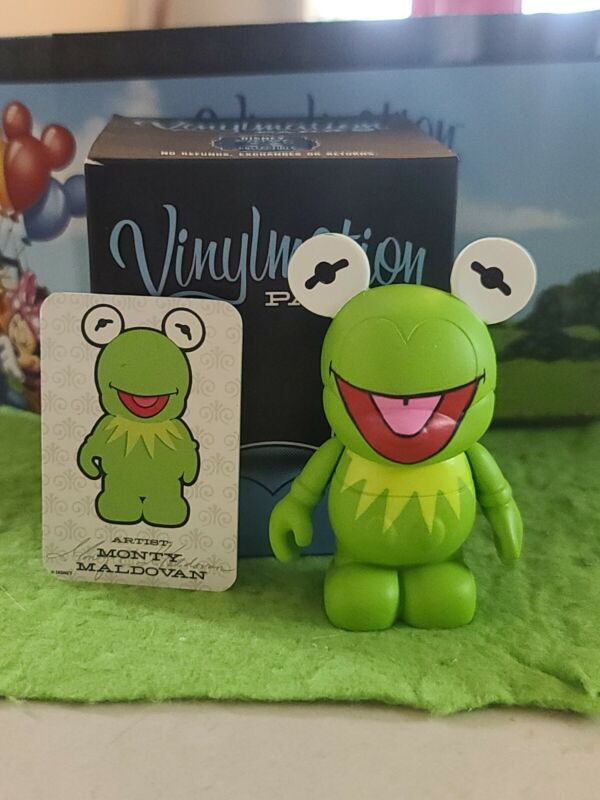 """DISNEY Vinylmation 3"""" Park Set 1 Kermit the Frog with Box and Card"""