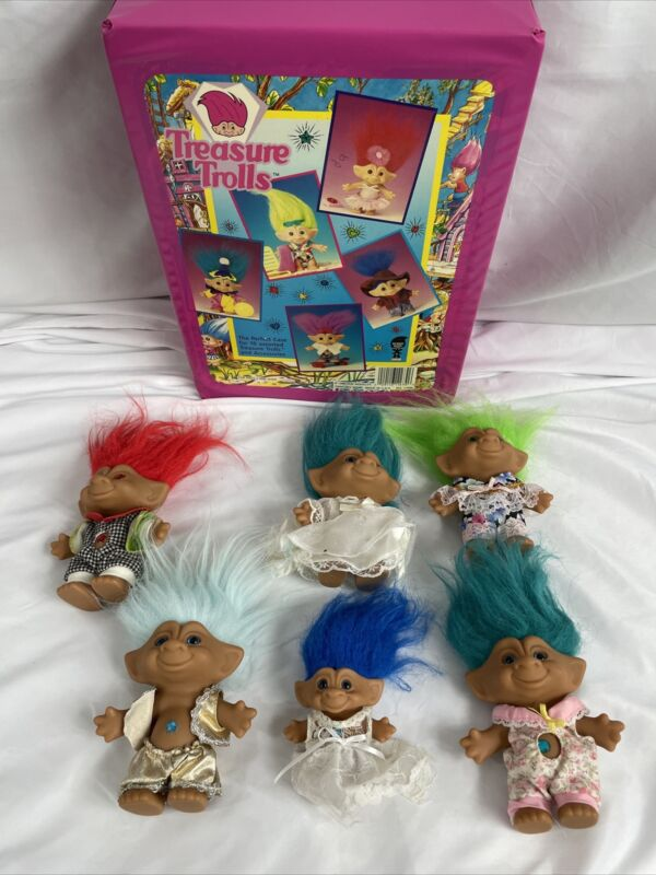 VINTAGE LOT OF 6 ACE NOVELTY TREASURE TROLLS IN CARRYING CASE