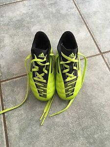 Kid Soccer cleats