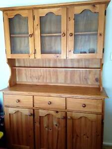 Buffet and Hutch Holgate Gosford Area Preview