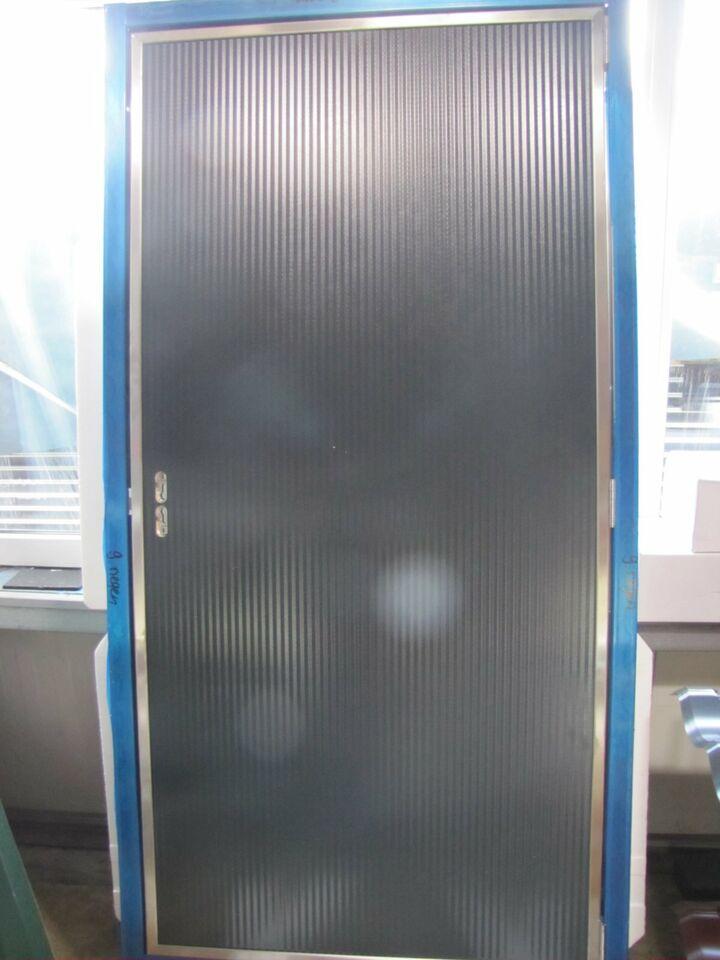 Stalltür/Multifunktionstür/Türpaneele 2 x 1 m zu verkaufen! in Hünxe
